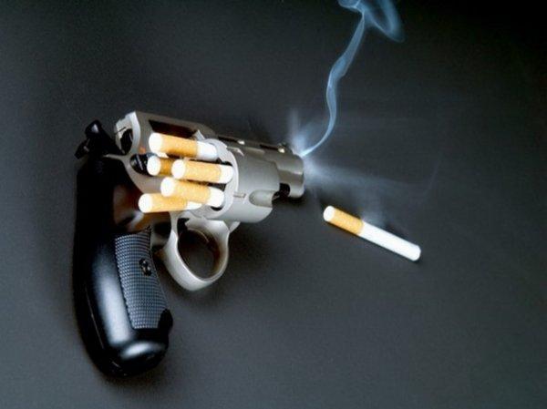 Хлопець, у якого виявили рак горла, вбив друга, який навчив його курити