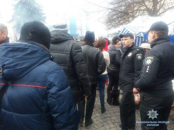 Поліція забезпечує публічний порядок під час фестивалю вина в Берегові