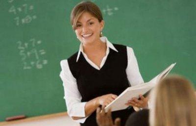 Уроки стилю для вчителя: що обов'язково повинно бути в гардеробі