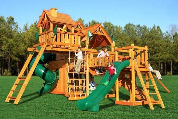 У Берегові за рахунок угорських міст побудують дитячі майданчики